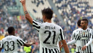 Argentinian forward of Juventus Paulo Dybala (C) celebrates after scoring the 1-0 goal lead during Italian Serie A soccer match between Juventus and Atalanta at the Juventus stadium in Turin, 25 October 2015. ANSA / ANDREA DI MARCO