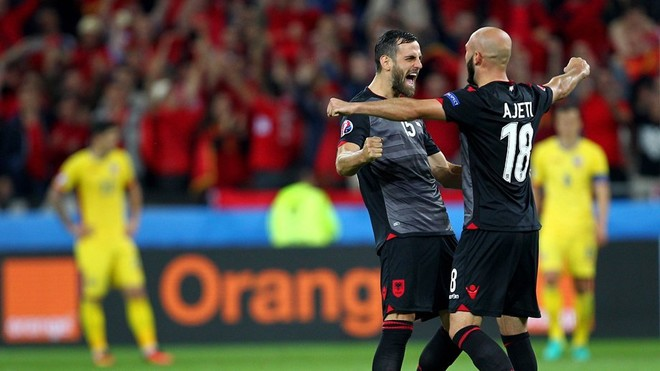 Mavraj_Mergim_Arlind_Ajeti_celeb_win_Albania_over_Rom_euro2016