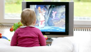 infant-watching-tv
