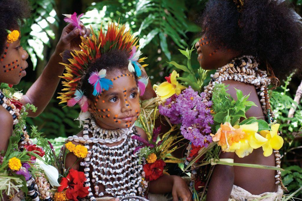 young-tufi-tribe-girl-papua-new-guinea