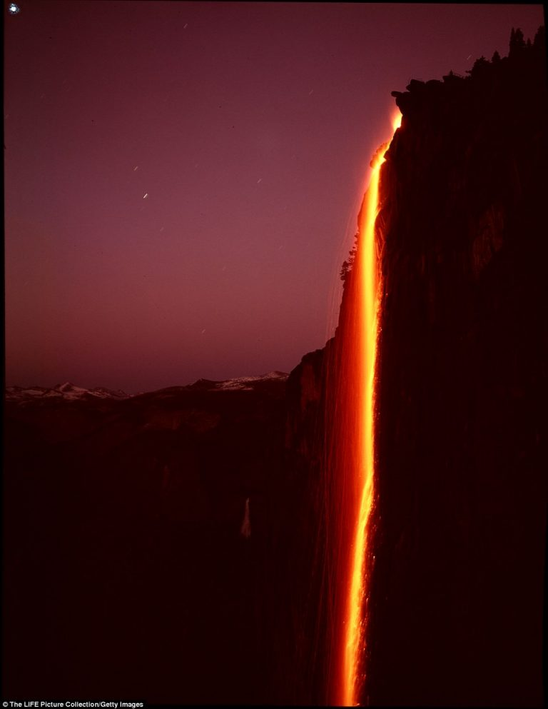 3D44D16B00000578-0-The_firefall_at_Horsetail_Falls_resembles_molten_lava_pouring_do-a-42_1487212018198-768x993